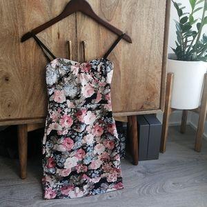 aritzia talula floral bodycon dress